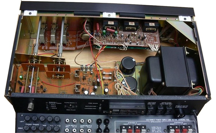 AMPLIFIER SANSUI AU 7700