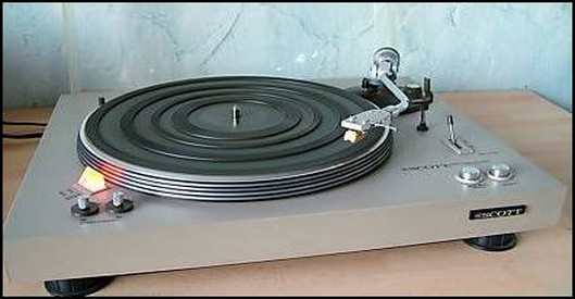 PLATINE VINYLE SCOTT PS 67